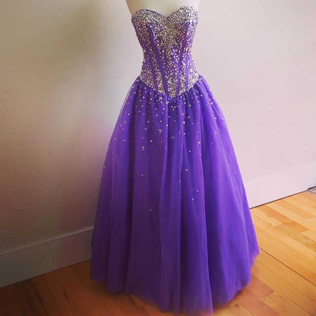 Sweetheart Neck Long Tulle Prom Dresses Crystals Beaded Floor Length Women Dresses 2016