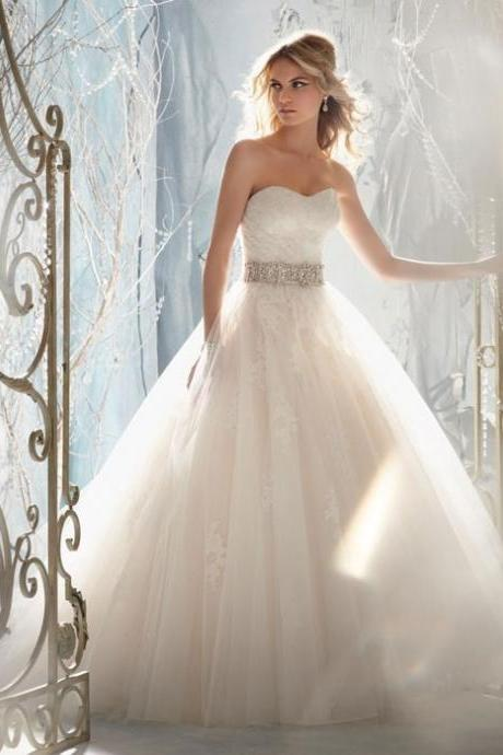 Strapless A-line Beaded bridal Gowns Tulle Women Fashion Bridal Gowns