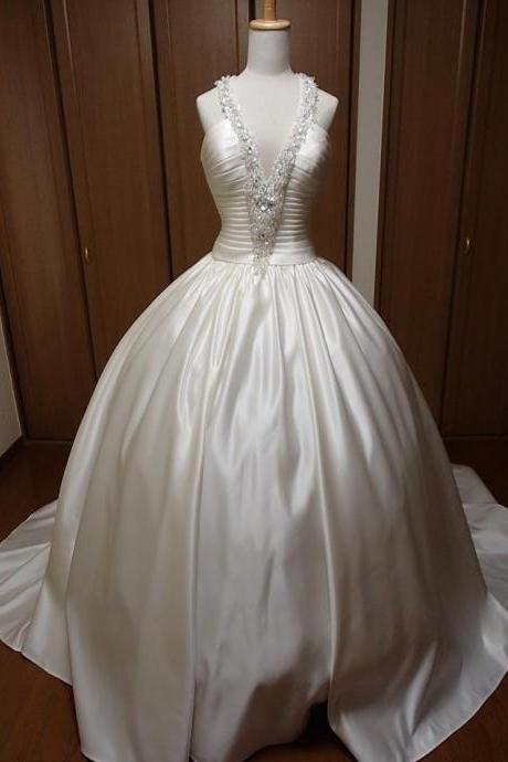 Spaghetti Straps Ball Gown White Satin Wedding Dress Beaded Floor Length Bridal Gowns